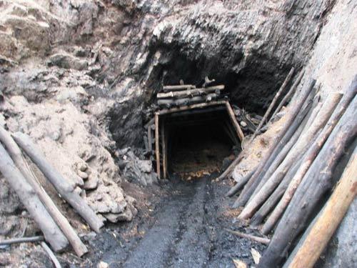 3 người chết thảm dưới lò than thổ phỉ - 1