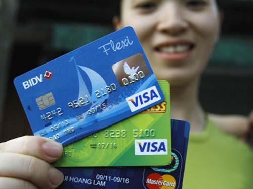 Những độc chiêu lừa thẻ tín dụng - 1