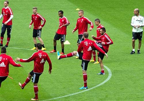 """Pep & sơ đồ """"dị"""" giúp Bayern thống trị - 1"""