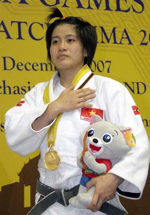 Văn Ngọc Tú giành HCV ở môn võ lạ - 1