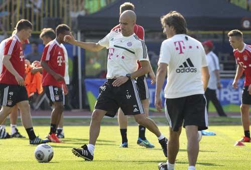 Pep hé lộ chiến lược nâng tầm Bayern - 1