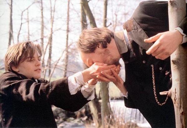 Những cảnh đồng tính của Leonardo DiCaprio - 1