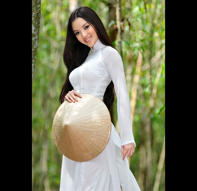 Người đẹp Hùynh Bích Phương là một trong những cái tên được nhắc đến  nhiều nhất sau cuộc thi Hoa hậu Việt Nam 2010.