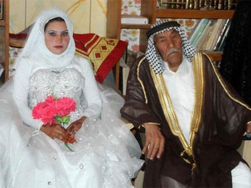 Iraq: Cụ ông 92 tuổi lấy vợ 22 tuổi - 1