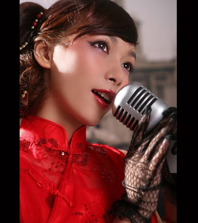 Lưu Thi Hàm (SN 1989) sống trong cái vỏ là một người đàn ông cho đến khi trưởng thành, cô đã quyết định phẫu thuật chuyển đổi giới tính, tìm lại chính mình.