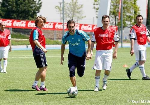 Higuain trở lại tập luyện cùng Real - 1