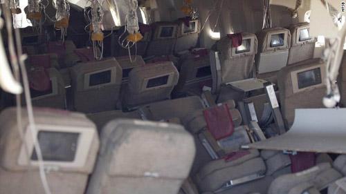 Mỹ: Toàn cảnh cháy máy bay chở 300 người - 1