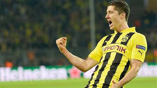 Lewandowski sẽ chơi cho Bayern mùa tới - 1