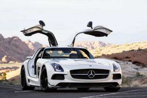 Mercedes-Benz SLS AMG Black Series có giá khủng - 1