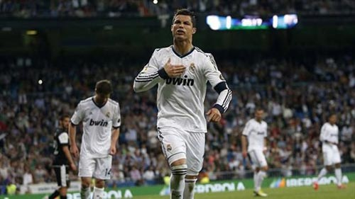 Ronaldo muốn treo giày ở Real - 1