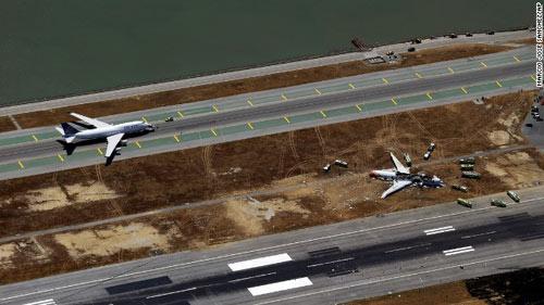 Nạn nhân vụ cháy máy bay ở Mỹ bị xe cán chết? - 1