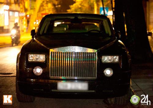 Bộ đôi Rolls-Royce Phantom vi vu phố Hà Nội - 1