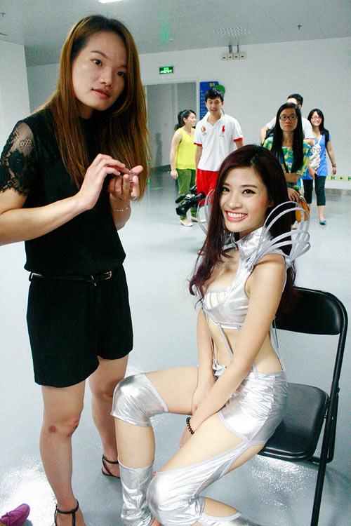 Phan Hoàng Thu bất ngờ lọt top 10 - 1