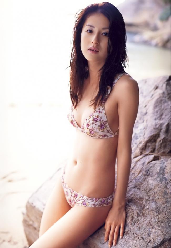 Wakana Matsumoto sinh năm 1984 và hiện đang là người mẫu kiêm diễn viên sáng giá của Xứ sở hoa anh đào.