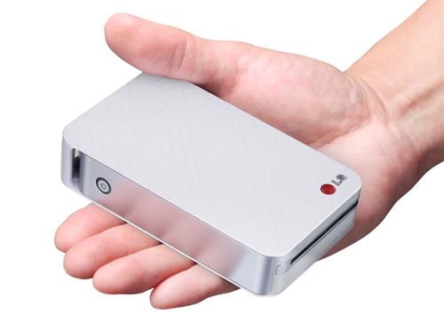 LG ra mắt máy in ảnh cầm tay siêu nhỏ - 1