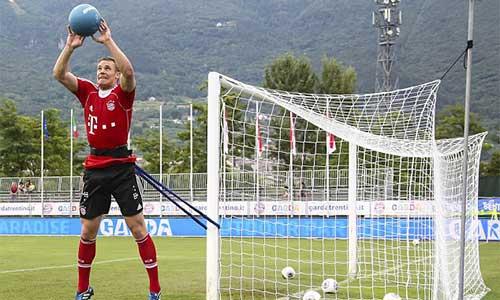 Sao Bayern khổ luyện tại Arca - 1