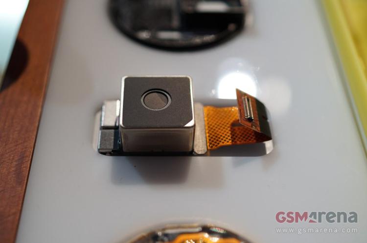 Tại buổi ra mắt sản phẩm, Nokia có dành một vị trí sang trọng để giới thiệu riêng về công nghệ máy ảnh mà hãng này tích hợp cho chiếc Limia 1020