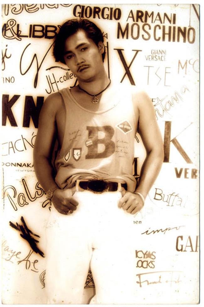 Lý Hùng sinh năm 1969 được coi là một trong những ngôi sao sáng giá của điện ảnh Việt từ những năm 1990