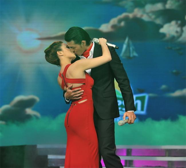 Nụ hôn của Ngọc Anh - Ngọc Ngoan từng gây bão với khán giả