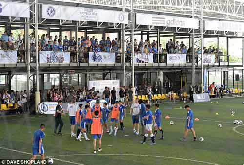 """Sao Chelsea """"thư giãn"""" ở Bangkok - 1"""