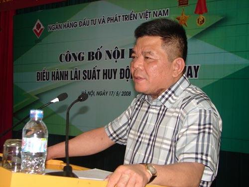 Phạt 15 triệu kẻ tung tin Chủ tịch BIDV bị bắt - 1