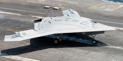 UAV Mỹ liên tiếp hạ cánh trượt trên tàu sân bay - 1