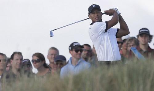 Golf - Vòng 1 The Open: Tiger Woods trong top 10 - 1