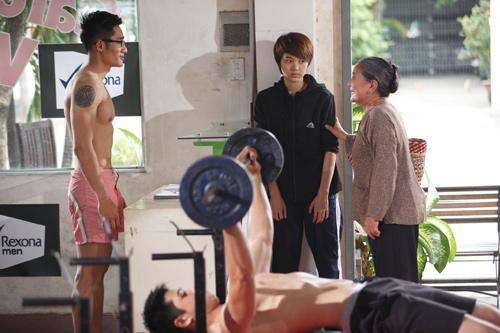 Hậu trường tập gym của Minh Hằng - 1