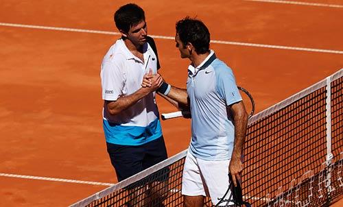 HOT: Federer không đổ lỗi cho vợt - 1