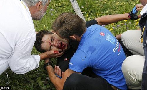 """Tai nạn """"máu me"""" nhất Tour de France 2013 - 1"""