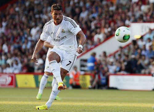 Ronaldo: Vượt kỷ lục để vĩ đại hơn - 1
