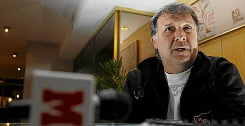 HLV Martino đồng ý dẫn dắt Barca - 1