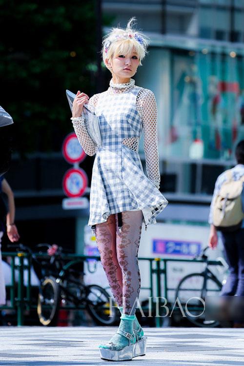 Bạn gái Nhật Bản cá tính đón Thu - 1