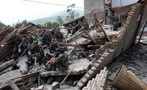 Động đất ở TQ: 89 người chết, cứu hộ khó khăn - 1