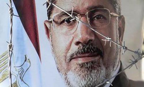"""Quân đội Ai Cập bị tố """"bắt cóc"""" ông Morsi - 1"""