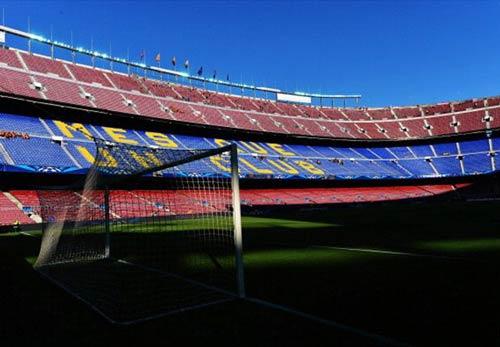 Barca có thể bỏ Nou Camp - 1