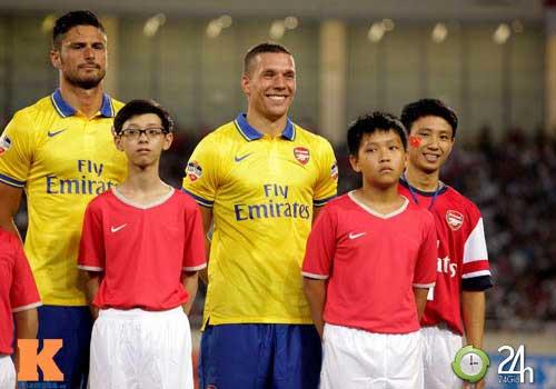 Arsenal bất ngờ mời 'Running man' sang Anh ngày 2/8 - 1