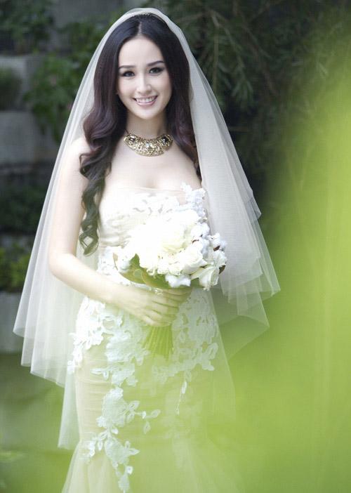 Mai Phương Thúy chăm chỉ làm cô dâu - 1