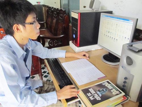 Thủ khoa ĐH Bách khoa Đà Nẵng: Học để thoát nghèo - 1