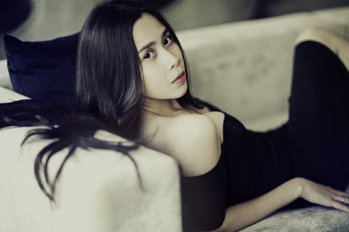Kiều nữ Việt gợi cảm từ bờ vai ngọt ngào - 1