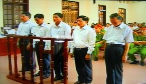 Ông Vươn xin giảm án cho cựu PCT Tiên Lãng - 1