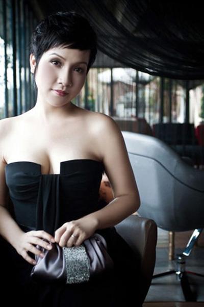 """Mỹ Linh: Không quan tâm đến """"hot girl"""" cởi đồ - 1"""