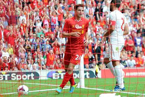 Liverpool - Olympiacos: Tôn vinh Gerrard - 1