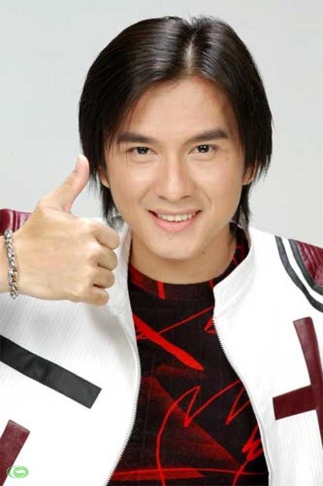 Sự nghiệp âm nhạc mang đến cho anh nhiều giải thưởng như Mai vàng, Làn sóng xanh Bài hát tôi yêu...