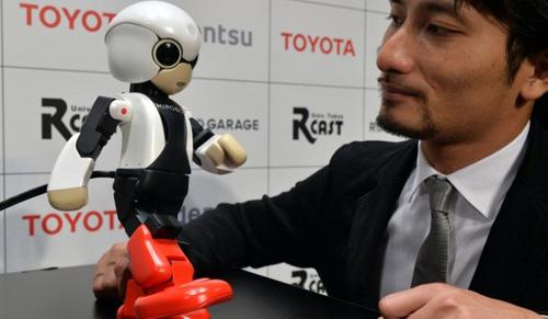 Nhật phóng robot biết nói đầu tiên vào vũ trụ - 1