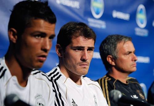 Mourinho gặp lại Real: Khi ta quay lưng - 1
