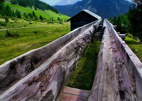 Vẻ đẹp ám ảnh của thung lũng bị bỏ hoang - 1