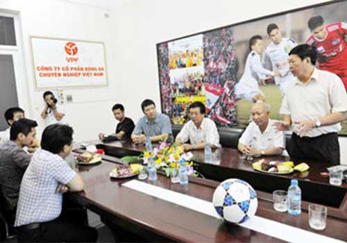 Vấn đề của bóng đá Việt Nam: Họp và hành - 1