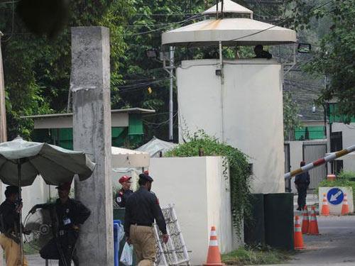 Mỹ sơ tán khẩn lãnh sự quán ở Pakistan - 1
