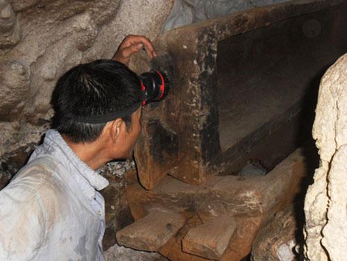 """Quan tài cổ trong """"hang ma"""" tại Thái Nguyên - 1"""